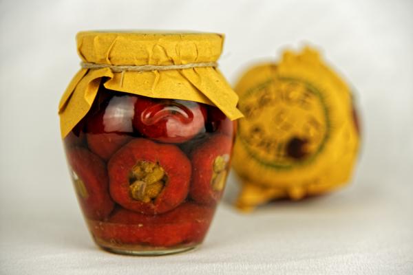 Peperoncini ripieni in olio extravergine d'oliva2