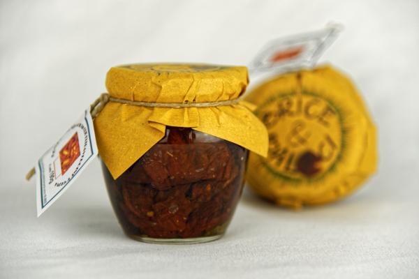 Pomodori secchi in olio extravergine d'oliva2